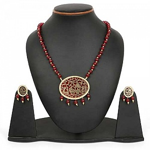 Maroon Stone & Golden Synthetic Balls Gold Plated Brass Thew